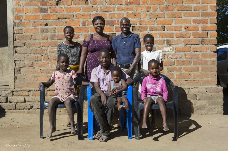Crystal Schick/  CALGARY, AB -- John Mwanza, his wife Bernadette, and six of their seven children at their home and farm about 20 km outside Petauke, Zambia, on June 3, 2016. --  (Crystal Schick/)