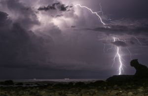lightning horizontal-c74.jpg